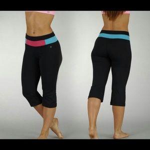 BALLY Set of ❗️2️⃣❗️ Fitness Capri Leggings